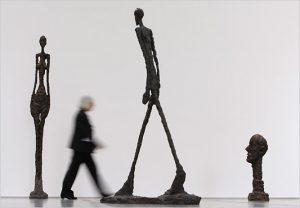 walking-by.giacometti.533-300x208